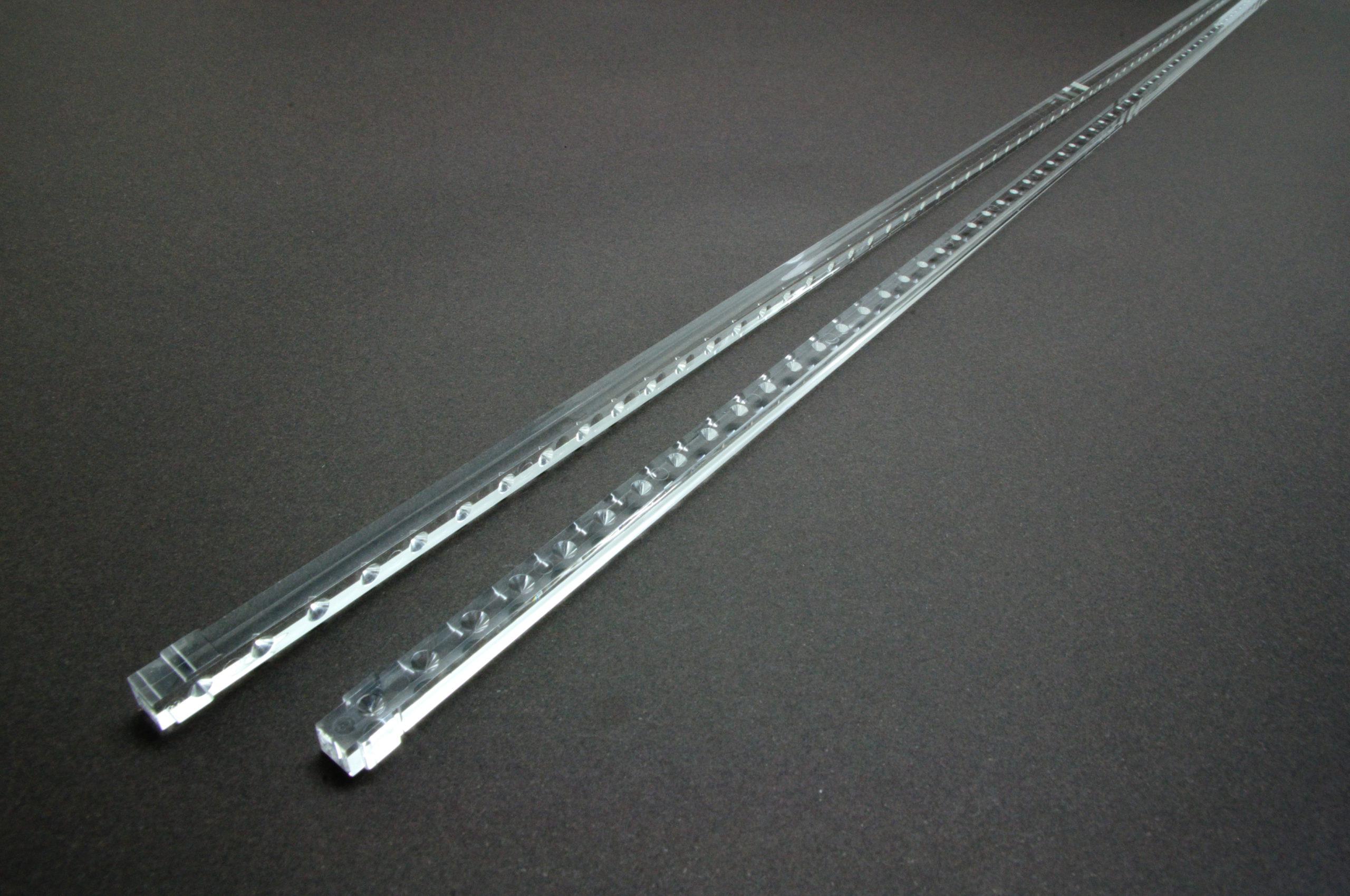 長尺の自動車用ライトガイド・導光棒